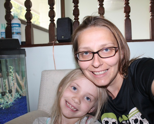 Angela with her daughter